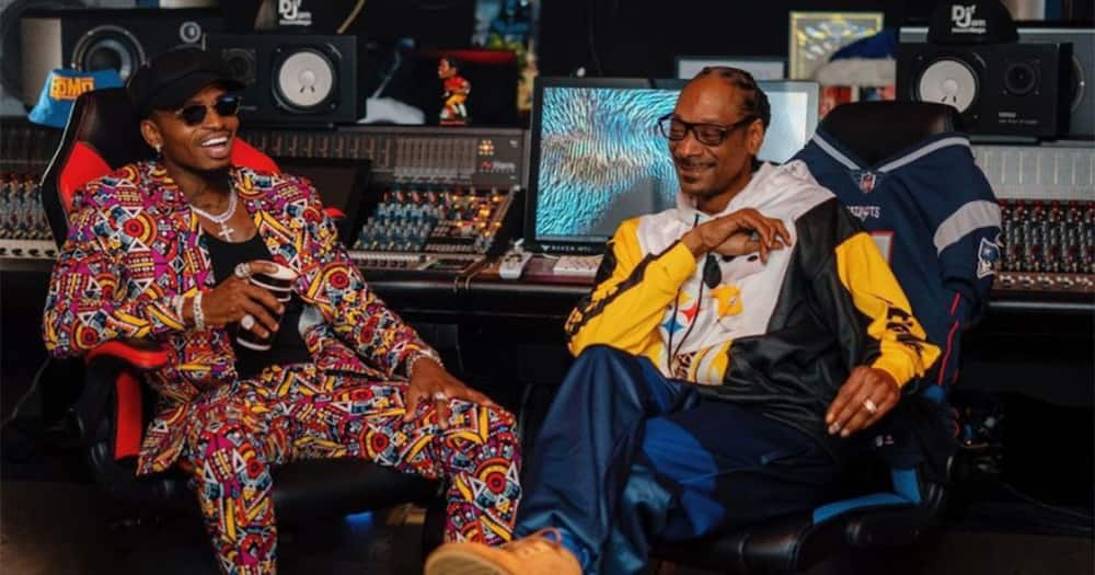 Diamond and Snoop Dogg.