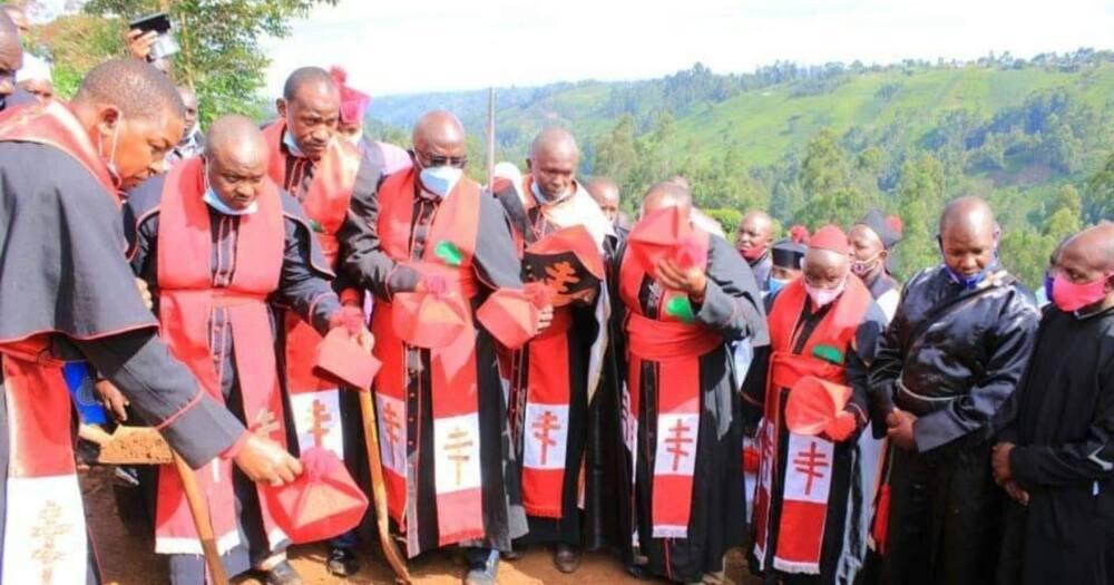 Askofu aliyemwalika Ruto Murang'a Kenol afariki na kuzikwa