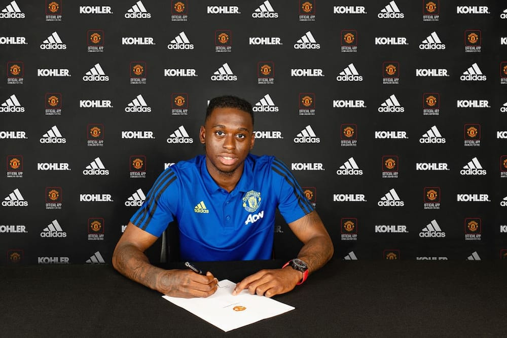 Aaron Wan-Bissaka officially signs 5-year deal with Man United from Crystal Palace