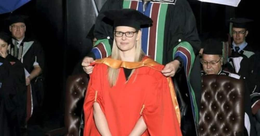 Proud Doctor Celebrates Day She Got PhD After 15 Years of Hard Work