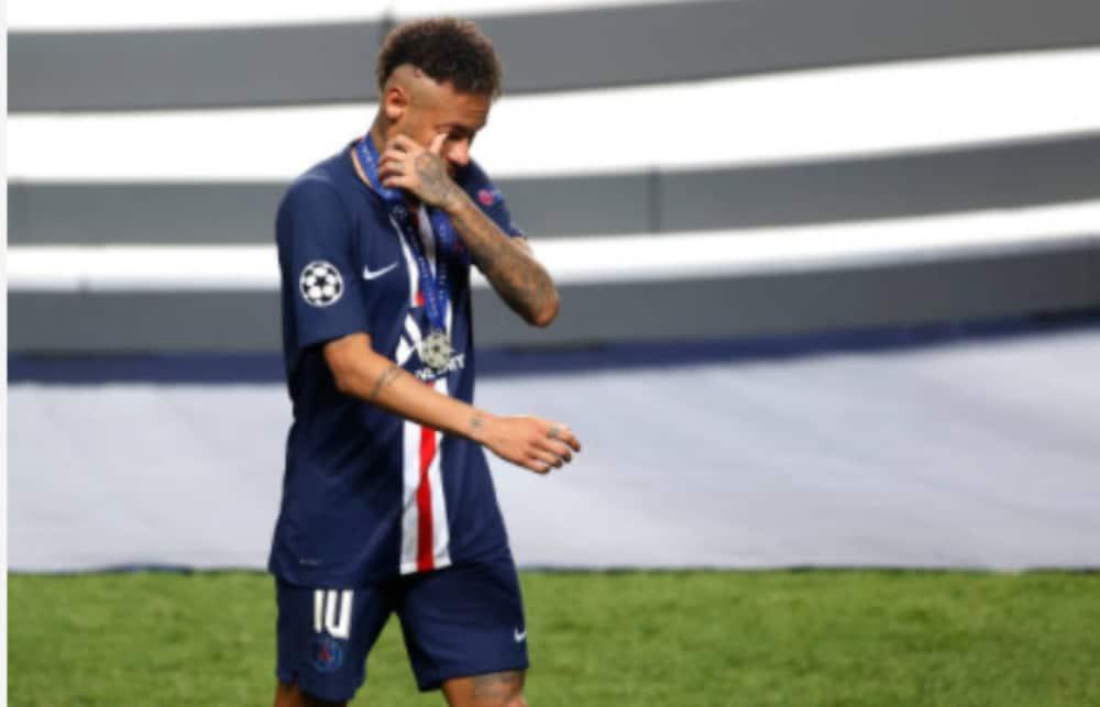 Neymar atimuliwa uwanjani baada ya kumzaba kofi difenda wa Marseille Alvaro Gonzalez