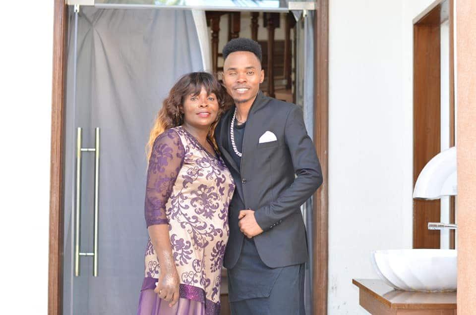 Rose Muhando kufanya collabo na msanii wa injili Stephen Kasolo