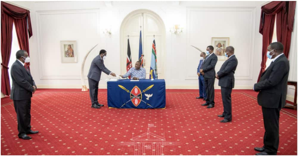 Uhuru Signs into Law Employment Bill Allowing Parents seeking to Adopt Children 1 Month Leave