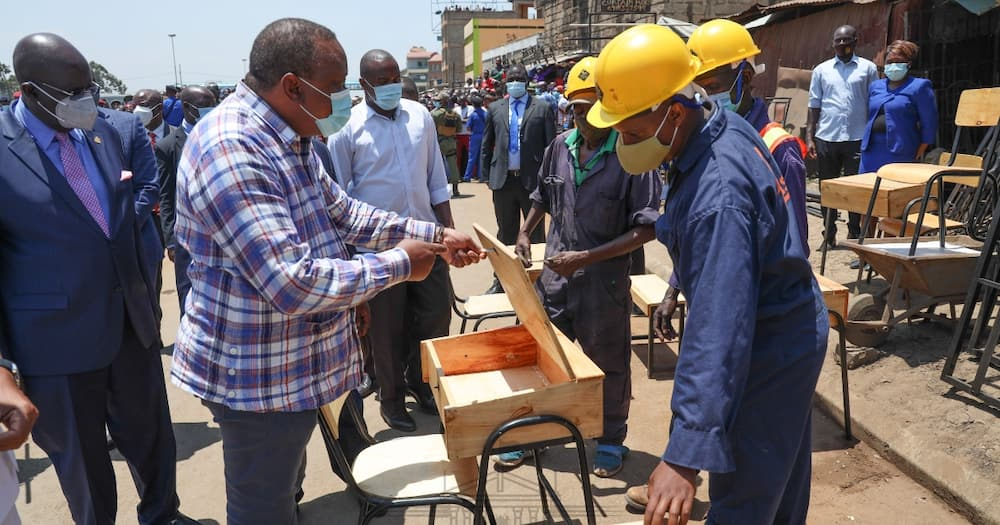 Mixed reactions as Mutahi Ngunyi claims Uhuru is teaching the youth to fish