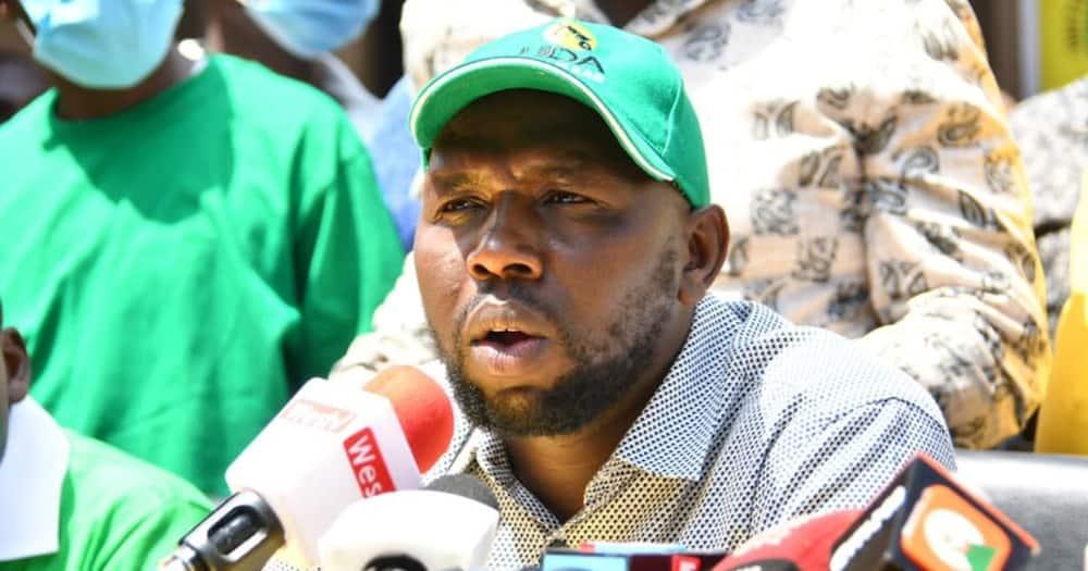 Kipchumba Murkomen doubts Uhuru is in charge after confessing Kenya loses KSh 2 billion daily