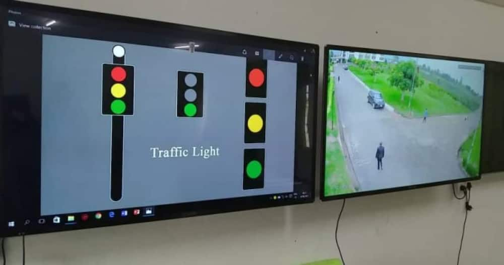 A group of students from the Koforidua Technical University have successfully built and installed traffic lights that have CCTV cameras.