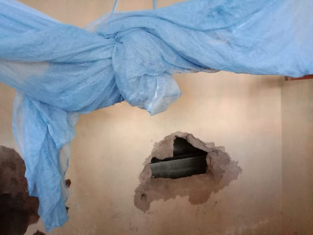 Kisumu man books lodging, drills hole through wall to steal from nearby supermarket