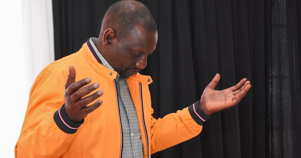 Piga luku: Picha 9 za William Ruto akiwa nadhifu kwenye koti za pamba kali za bei