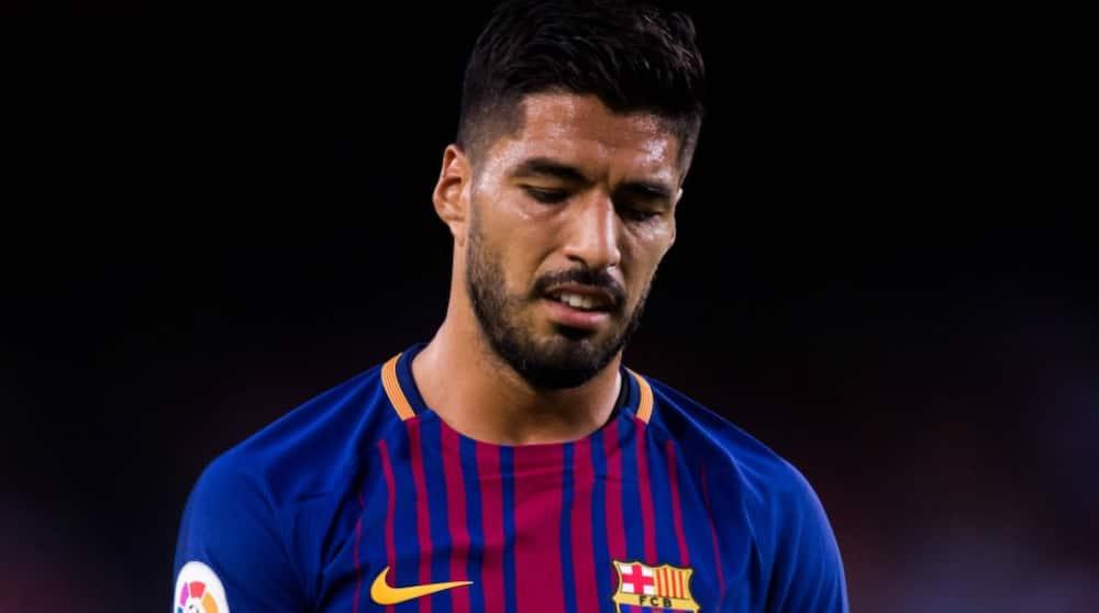 Luis Suarez breaks down in tears while leaving Barcelona training