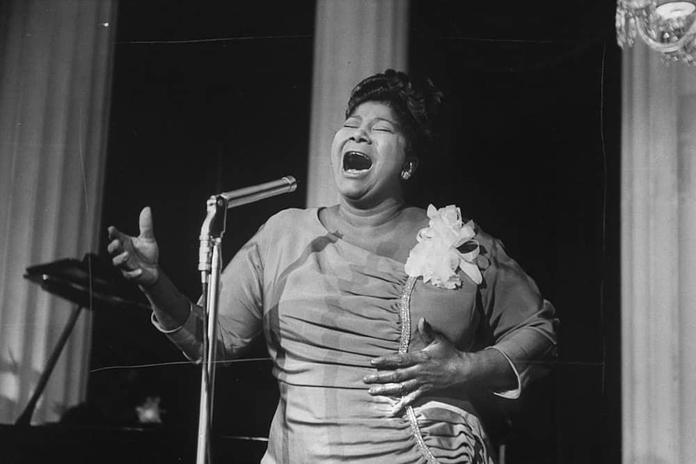Black female gospel singers