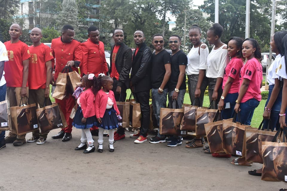 KNH hosts 24 sets of twins to mark in World twins day celebrations