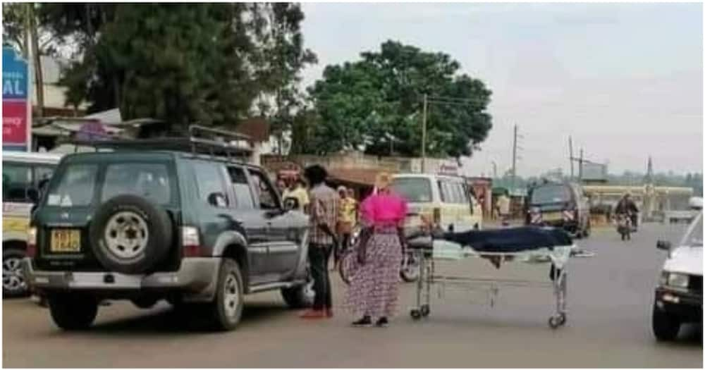 Vihiga Woman Wheels Mother's Body to the Road after Hospital refused Admitting Her to Morgue