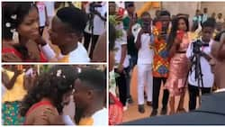Drama at Wedding as Bride Refuses to Kiss Groom, Crowd Reacts in Viral Video