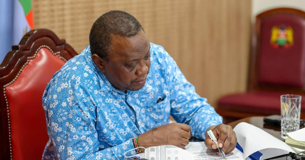 Uhuru Directs Cabinet, Executive to Get COVID-19 Vaccine, Lead Kenyans by Example