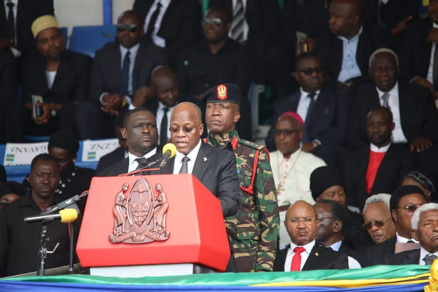 Benjamin Mkapa: Thousands of maskless Tanzanians gathered at Uhuru Stadium to bid ex-president goodbye
