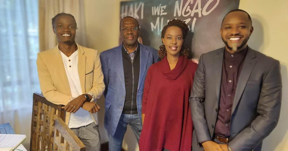 Boniface Mwangi, Juliani and Lilian Nganga surprised Willy Mutunga at his home.