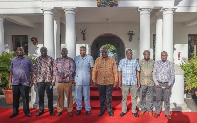 Rais Uhuru Kenyatta Apanga Kuzuru Eneo la Magharibi mwa Kenya