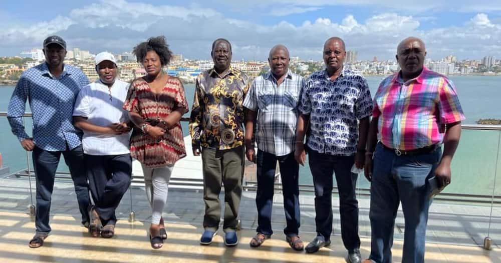 Raila Odinga Akutana na Wabunge wa Mlima Kenya, Wanamtandao Wasema Anachezwa