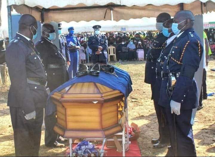 Nyawa Murinzi: 5 Emotional Photos from Burial of Lamu Cop Who Died 2 Weeks after Wedding