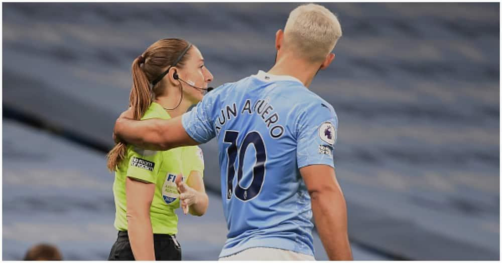 Sergio Aguero grabs lineswoman by neck during tense Man City vs Arsenal clash