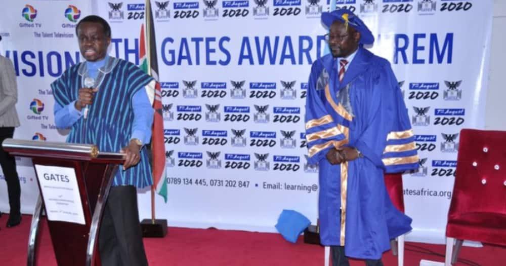 Testimonials galore as several attain degrees via international credit transfer