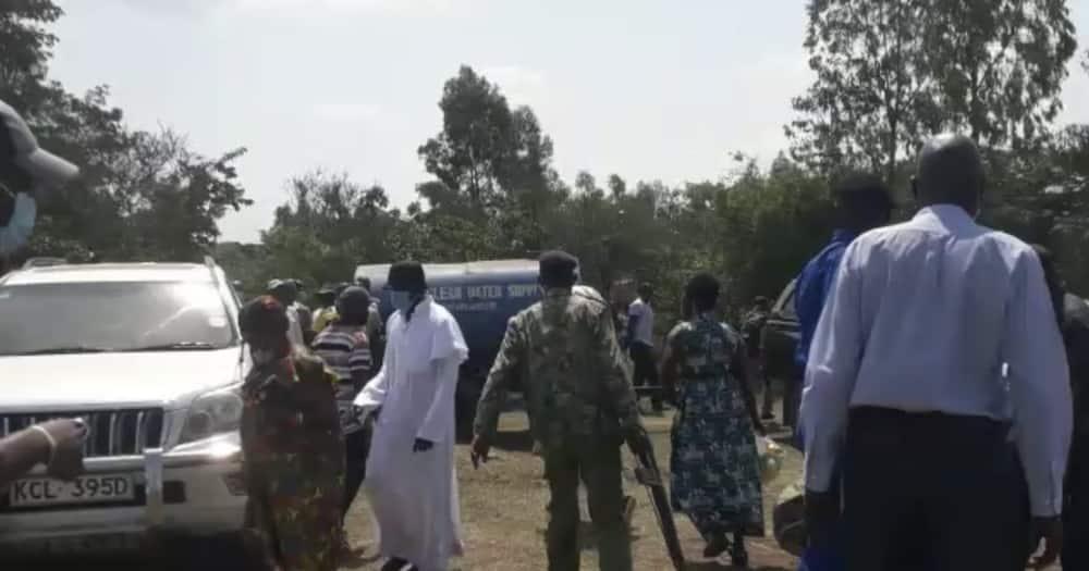 Siasa Mbaya: Jamaa Adungwa Kisu Mazishini na Kufariki Dunia