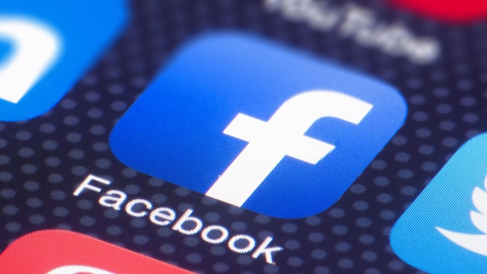 Facebook to Hire 10k People to Develop Platform that Allows Virtual Communication, Gaming