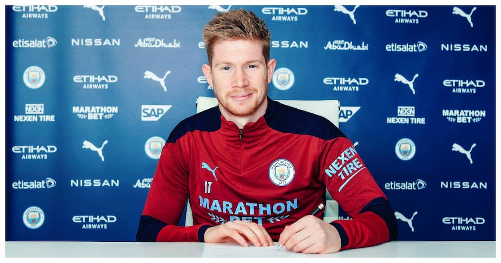 Manchester City ace De Bruyne Rewarded with Lucrative New Deal