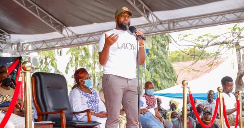 Raila Adinda Kumtawaza Mbunge Sharrif Kuwania Ugavana Mombasa