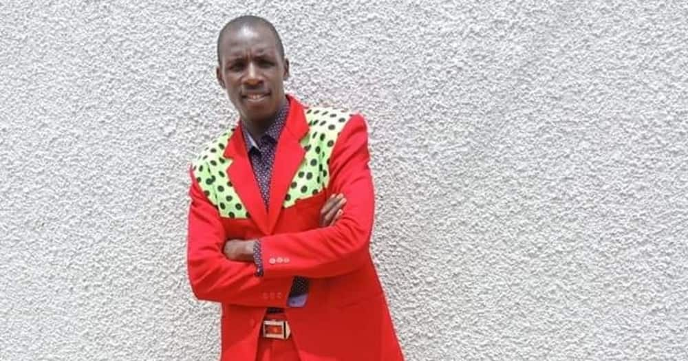 Embarambamba Tickles Audience as He Speaks to White Guests in Swahili and Kisii