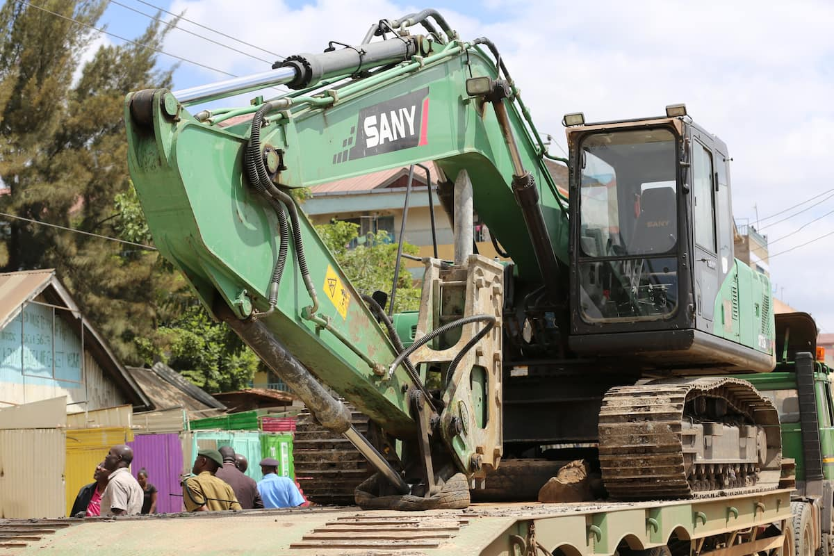 Owner of viral shaky Kayole building arrested as City hall demolishes it