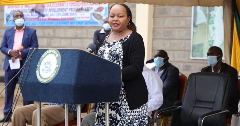 Mama Azua Kisanga Akiwakabili Walinzi wa Gavana Waiguru