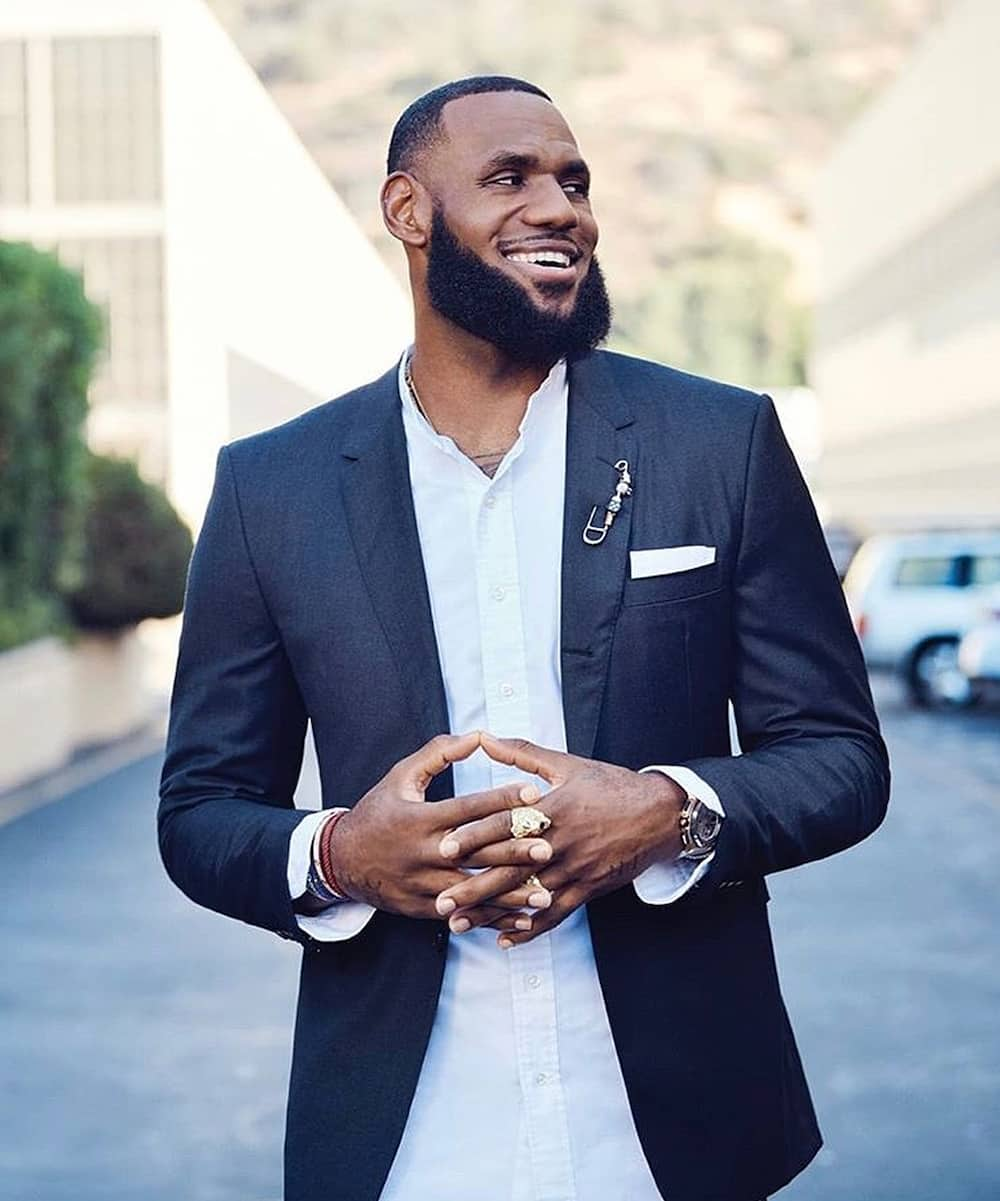 how much money does Lebron James earn?