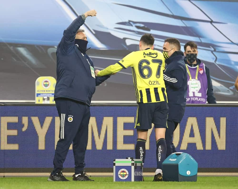 Mesut Ozil's Fenerbahce nightmare continues as former Arsenal star misses sitter