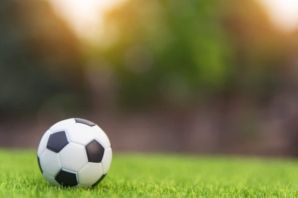 Football betting analyst jobs las vegas casino roulette rules progressive betting