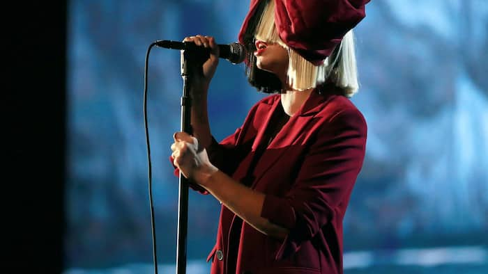 """You will not believe how much """"Chandelier"""" singer, Sia is worth"""