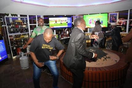 Mbinu ya Mike Sonko ya kusakata densi yawafurahisha Wakenya
