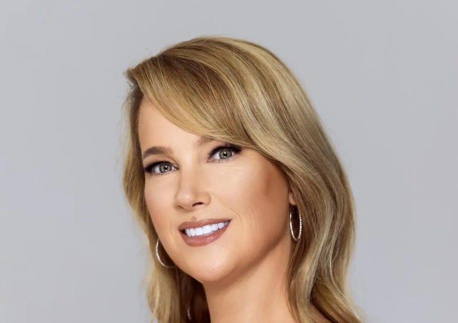 Christie Dickinson