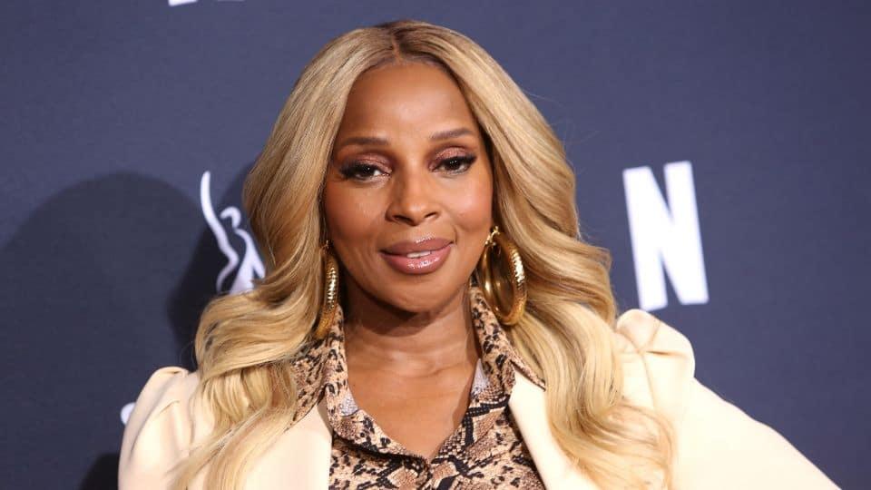 Singer Mary J. Blige celebrates 50th birthday with stunning bikini photos