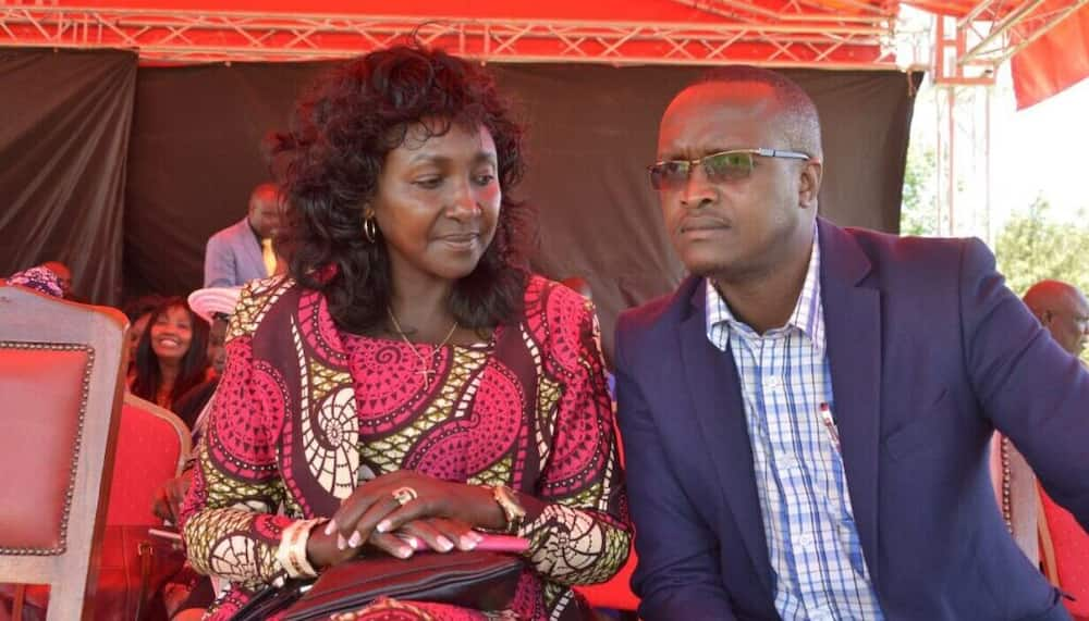 Shollei held a traditional wedding with a junior member of staff at Standard Group after the end of his marriage.