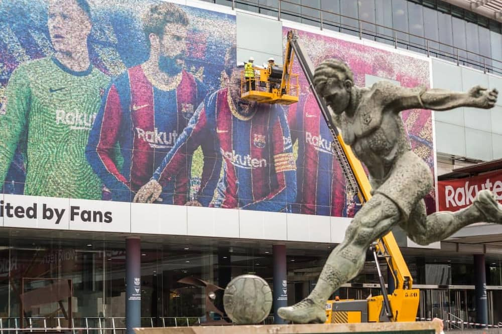 Barcelona remove Images of Lionel Messi from Camp Nou 2 days after his emotional goodbyes