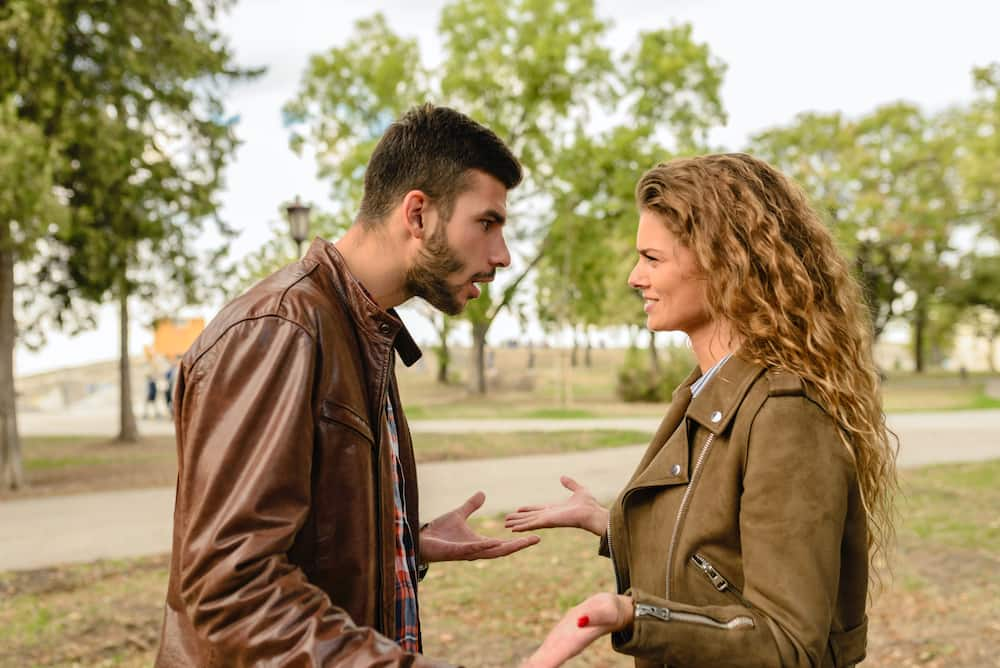 subtle signs of relationship abuse