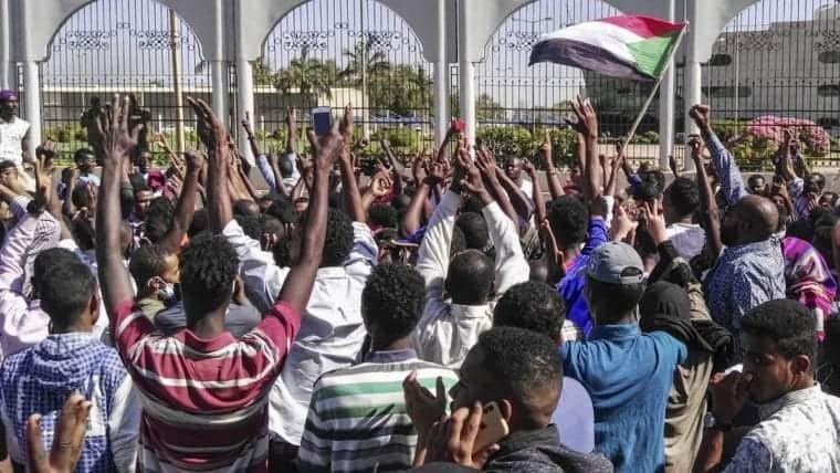 Jaribio la Jeshi Kupindua Serikali ya Sudan Latibuka, Washukiwa Watatu Wakamatwa