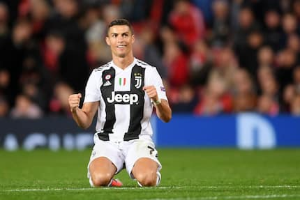 Cristiano Ronaldo celebrates with Floyd Mayweather after lifting first title with Juventus