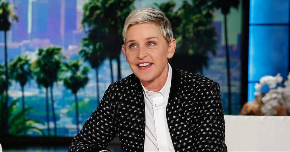 """Oprah Supports Ellen DeGeneres After Announcing End of Talk Show: """"I Know What Those Feelings Are"""""""