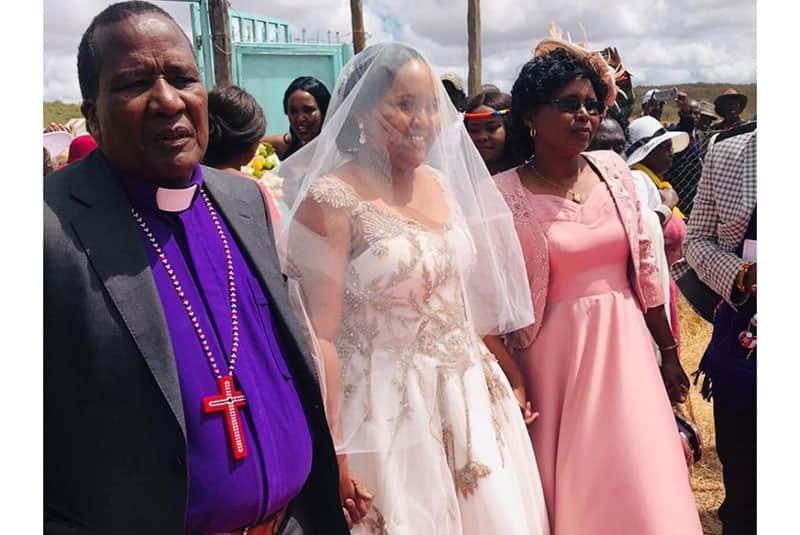Naisula Lesuuda wedding photos