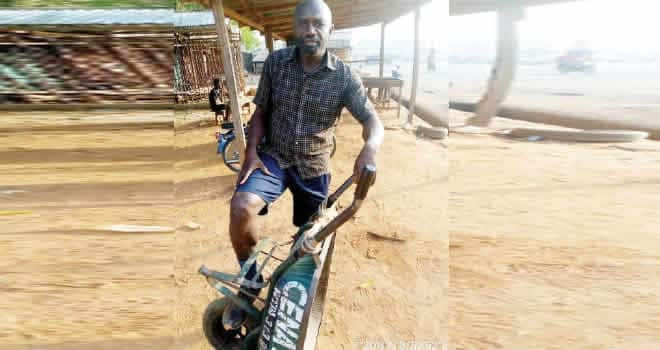 Terhemen Anongo: How I dropped out of medical school at 500L, ended up as wheelbarrow pusher, man narrates a tragic story