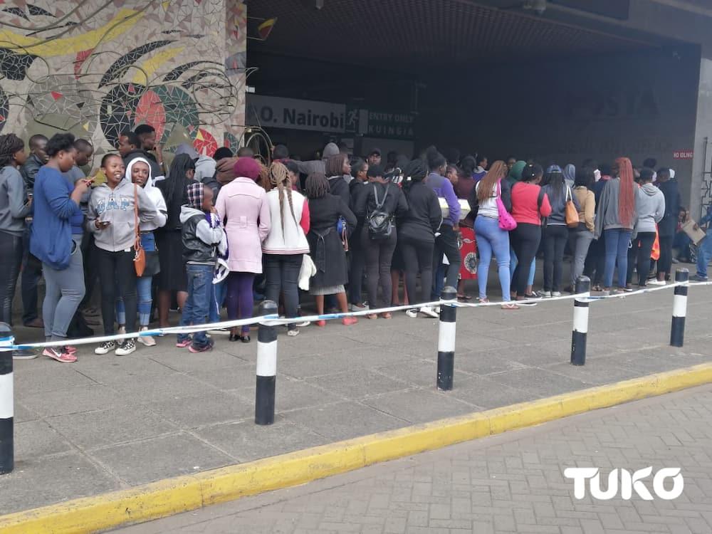 Huduma Namba: Long queues as Kenyans rush to beat deadline