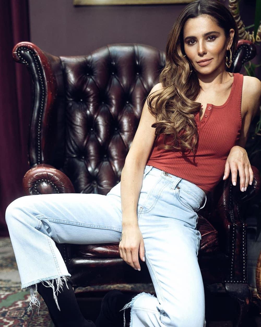 Cheryl Cole still married