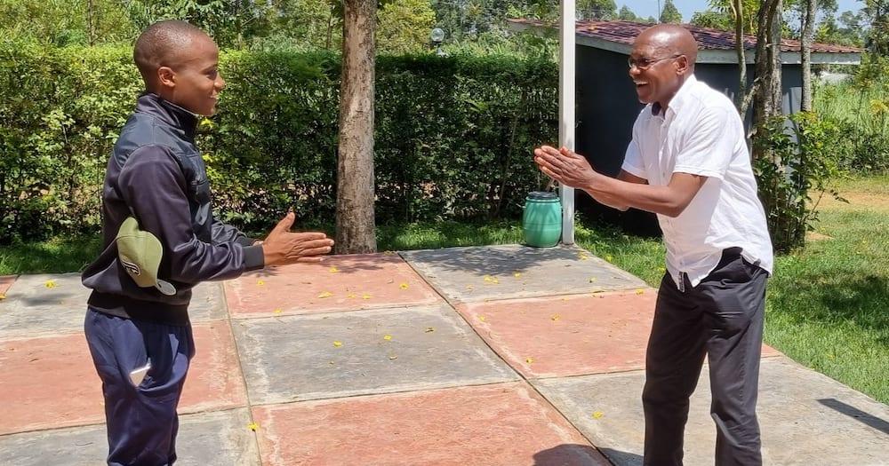 Khalwale afurahia baada ya mwanafunzi aliyefadhili masomo kutangaza kujitosa siasani